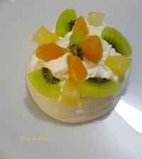 Pavlova aux kiwis clémentines et ananas