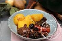 Daube à la provençale en cocotte lutée de Philippe Etchebest (vin blanc champignons et olives noires)
