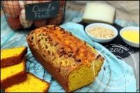 Cake au maïs parmesan et pignons de pin