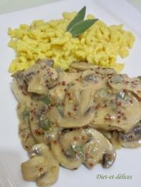 Filets de poulet sauce aux champignons moutarde et sauge