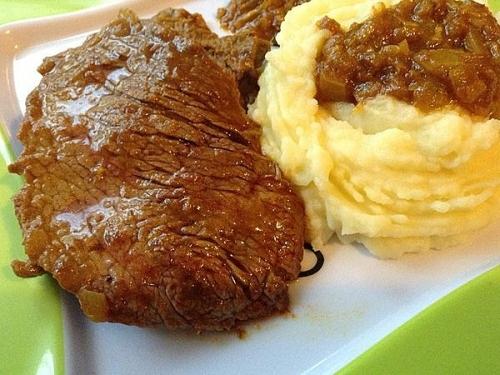 recette steak de boeuf en sauce et la pur e de pomme de terre. Black Bedroom Furniture Sets. Home Design Ideas