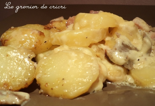 recette gratin dauphinois avec les restes de poulet. Black Bedroom Furniture Sets. Home Design Ideas