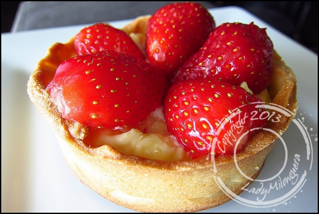 recette tarte aux fraises cr me p tissi re au basilic de. Black Bedroom Furniture Sets. Home Design Ideas