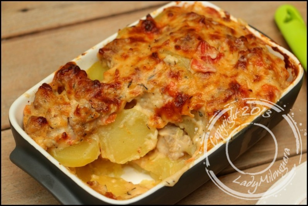 recette gratin de pommes de terre la saucisse. Black Bedroom Furniture Sets. Home Design Ideas
